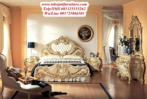 tempat tidur ukiran royal mewah