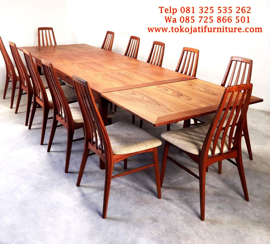smart-furniture-teak-dining-furniture-long-teak-dining-table-extendable-have-dining-chairs-above-the-concrete-floor-around-white-painted-interior-decoration meja makan jati kafe lipat minimalis