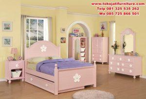 set tempat tidur anak perempuan mewah